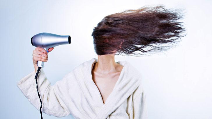 紫外線や乾燥のダメージから髪を守るしっかりヘアケア