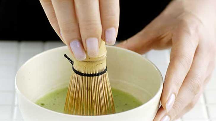 気分が安らぐ成分「テアニン」がたっぷり!自宅で味わう「抹茶」の点て方